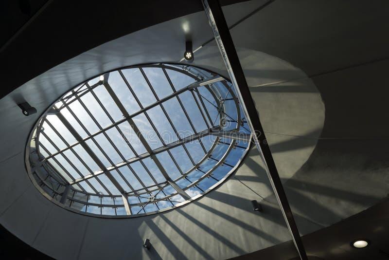 Architectuurdetail van de ellips van het dakvenster royalty-vrije stock fotografie