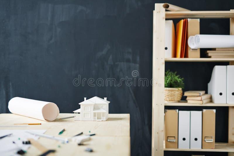 Architekten-Arbeitsplatz-Hintergrund lizenzfreie stockbilder