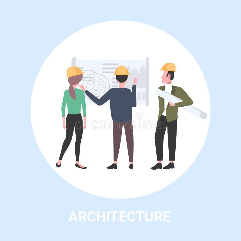 Architekten, die mit dem Planingenieurteam bespricht Neubaubauvorhaben während des Treffens von Erbauern im Sturzhelm arbeiten stock abbildung