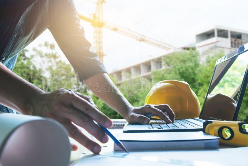 Architekteningenieurarbeitskonzept- und -bauwerkzeuge oder SAF stockbild