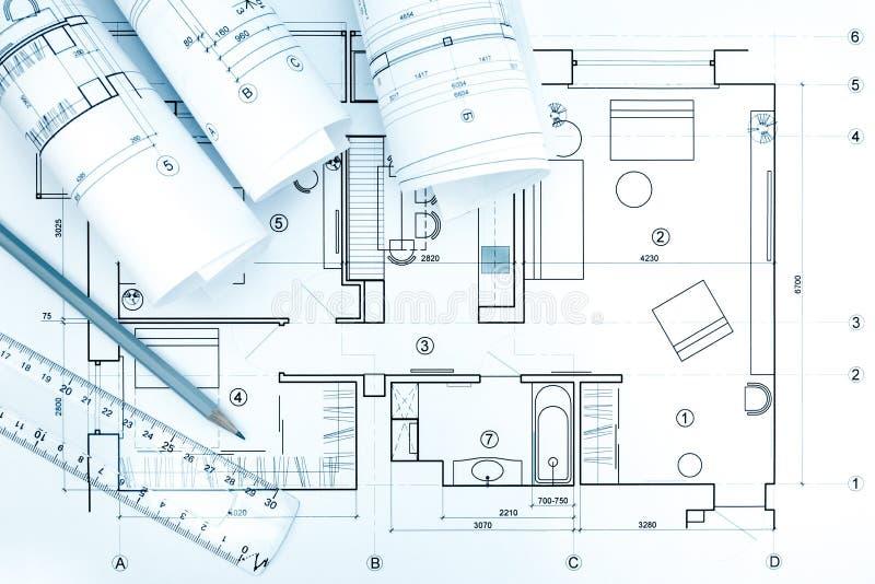 Architektoniczne projekt rolki z planem, ołówkiem i władcą, fotografia stock
