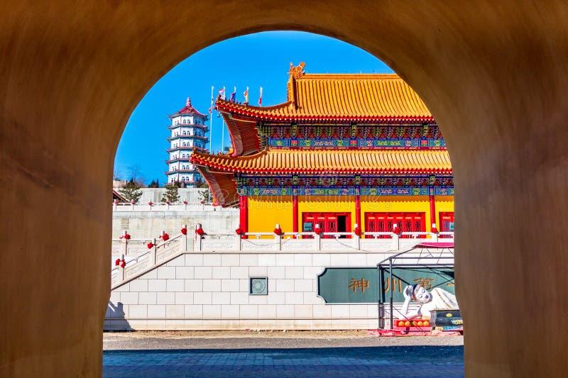 Architektoniczny pojawienie Lingbao świątynia w Hunchun, Chiny, w północnej prowincji Jilin obraz royalty free