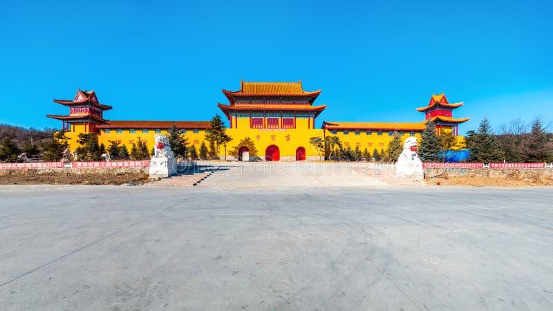 Architektoniczny pojawienie Lingbao świątynia w Hunchun, Chiny, w północnej prowincji Jilin fotografia royalty free