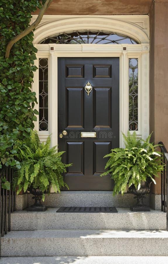 architektoniczny szczegółu drzwi przód obraz royalty free