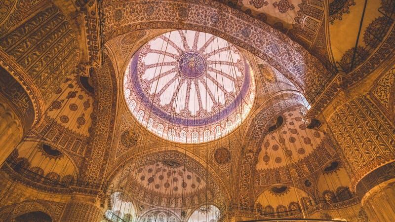 Architektonische türkische dekorative Weinlese-Decke stockfotos