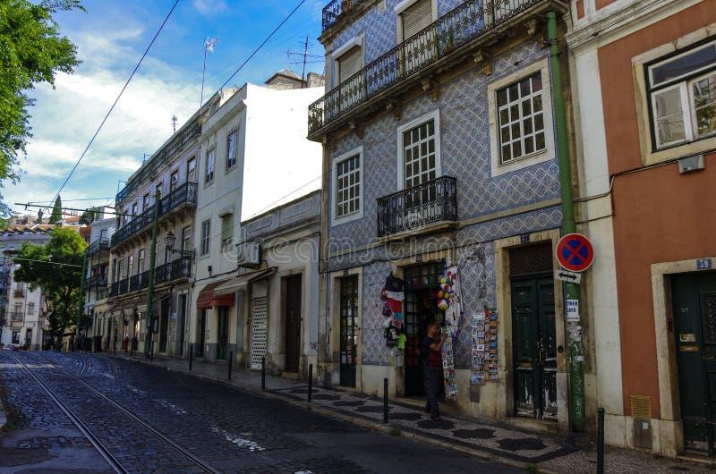 Architektur in der alten Stadt von Lissabon, Portugal lizenzfreies stockbild