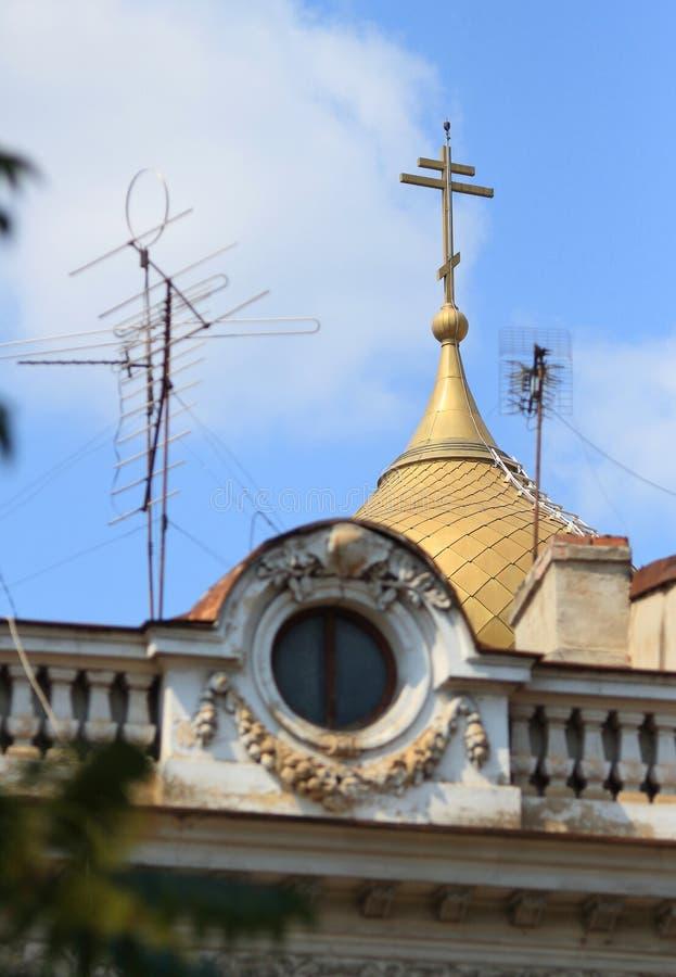 Architektur in im Stadtzentrum gelegenem Bukarest stockbild
