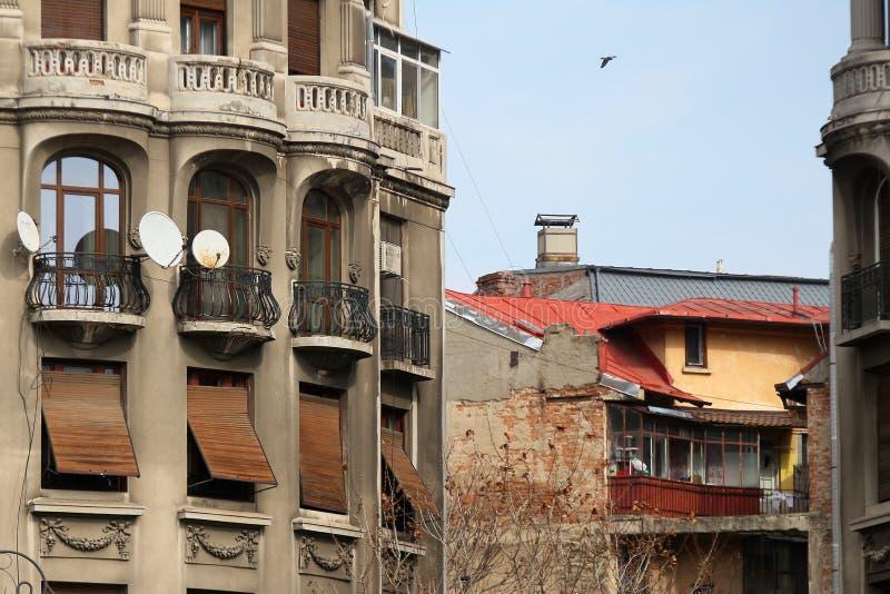 Architektur in im Stadtzentrum gelegenem Bukarest lizenzfreie stockbilder