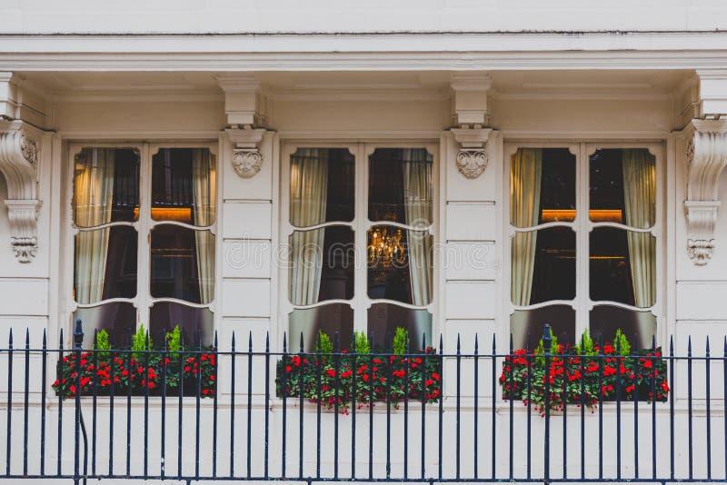 Architektur in Mayfair im London-Stadtzentrum stockbild