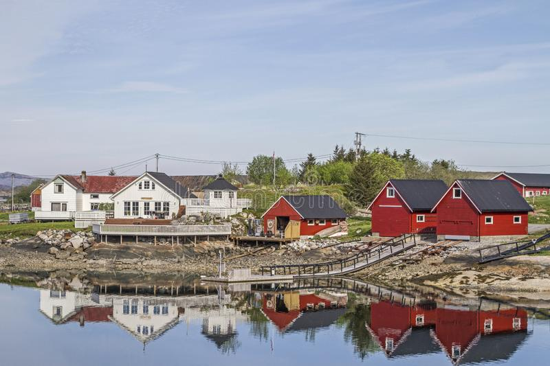 Architektur in Norwegen. Different architectural taste - architectural styles in residential and holiday homes in Norway royalty free stock photo