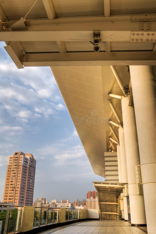 Download Architektura nowożytna obraz stock. Obraz złożonej z architektoniczny - 13337063