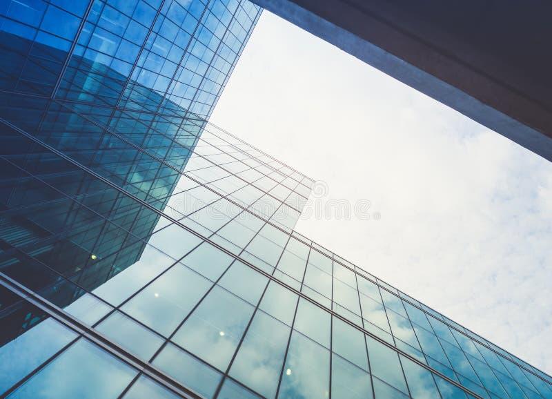 Architektura wyszczególnia Nowożytnego Buduje Szklanego fasadowego Biznesowego tło zdjęcie stock