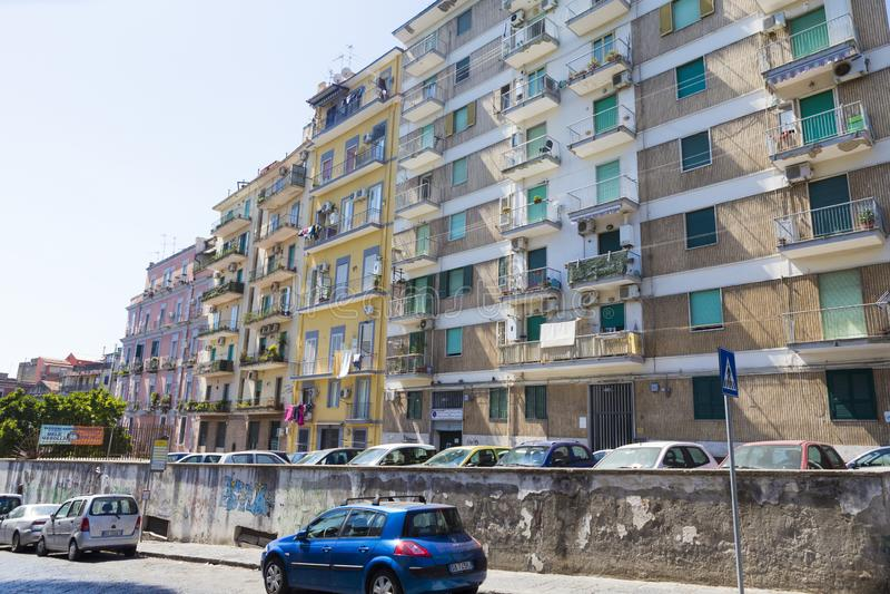 Architekturansicht eines lebenden Blockes von Neapel lizenzfreies stockbild