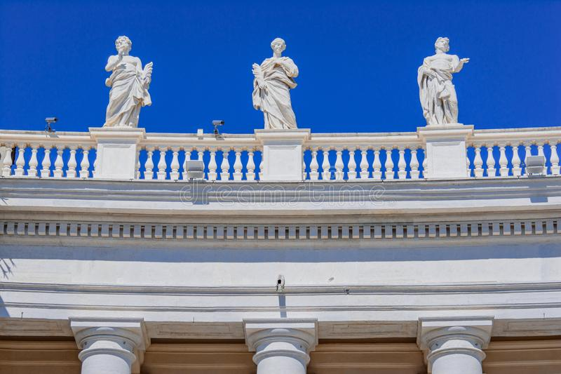 Architekturdetail im Heiligen Peter Square in Vatikan, Rom, Ital lizenzfreies stockbild