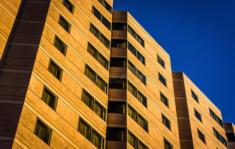 Architekturdetails eines Hotelgebäudes in im Stadtzentrum gelegenem Wilmington stockbild
