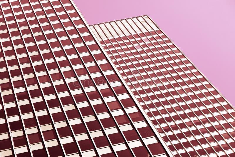 Architekturhintergrund in den rosa Tönen lizenzfreie stockbilder