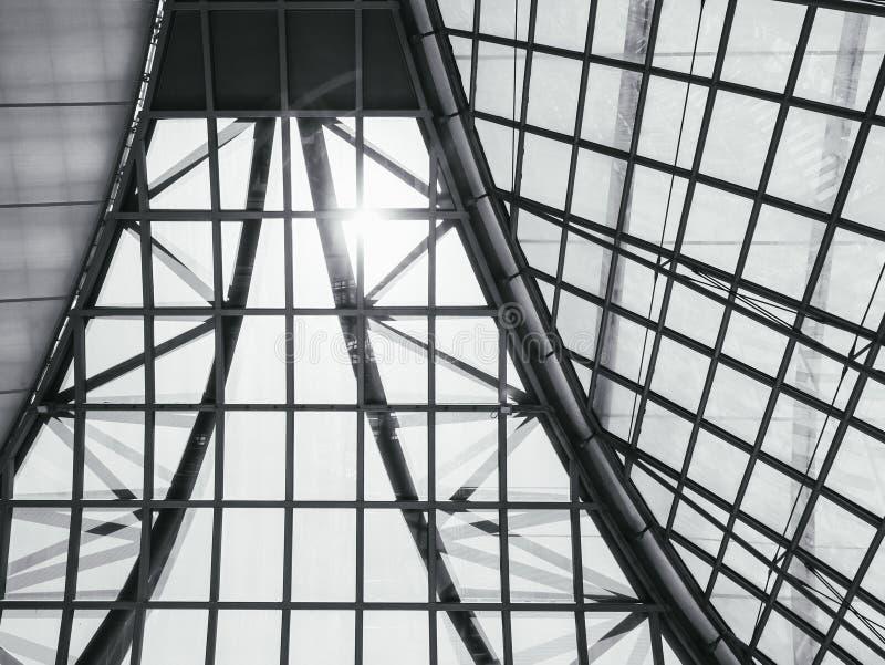 Architektury Stalowej struktury wzoru Dachowy Szklany tło fotografia royalty free