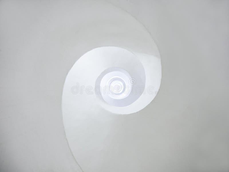 Architektury t?a bielu krzywy zawijasa spirali kurendy abstrakcjonistyczna przestrze? obraz stock