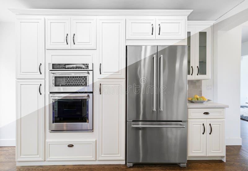 Architekturzeichnung der Küche mit Geräteillustration lizenzfreies stockbild