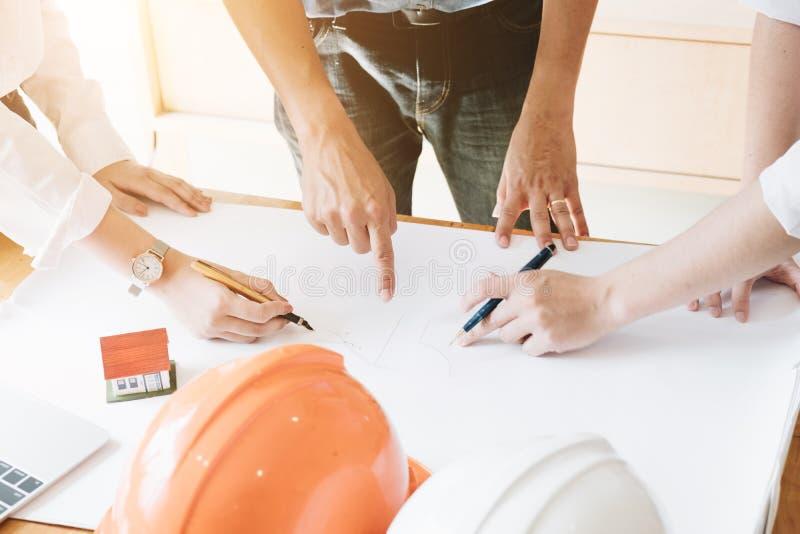Architetto Team Brainstorming Planning Design, ske dell'ingegnere civile immagini stock