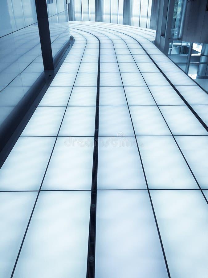 Architettura blu dell'arco della finestra dell'ascensore dell'edificio per uffici dell'arco dell'architetto del metallo di config immagine stock libera da diritti