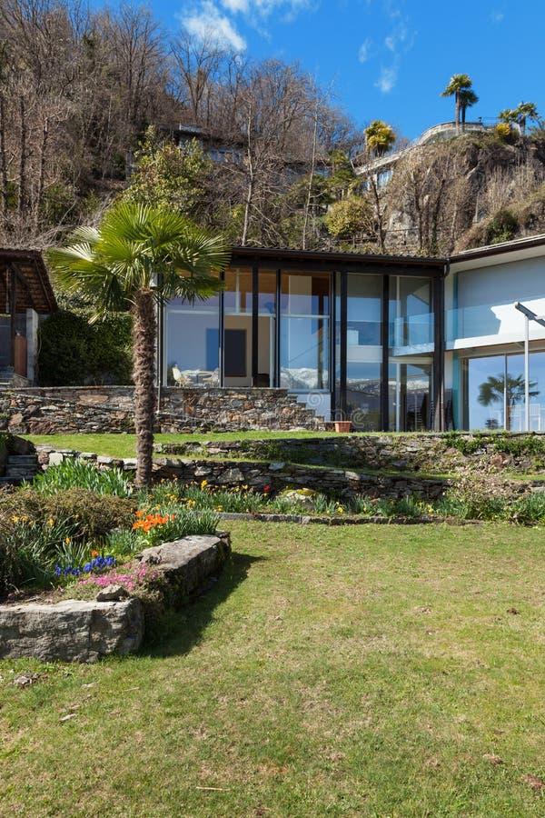 Architettura casa della montagna fotografia stock for Disegno della casa di architettura
