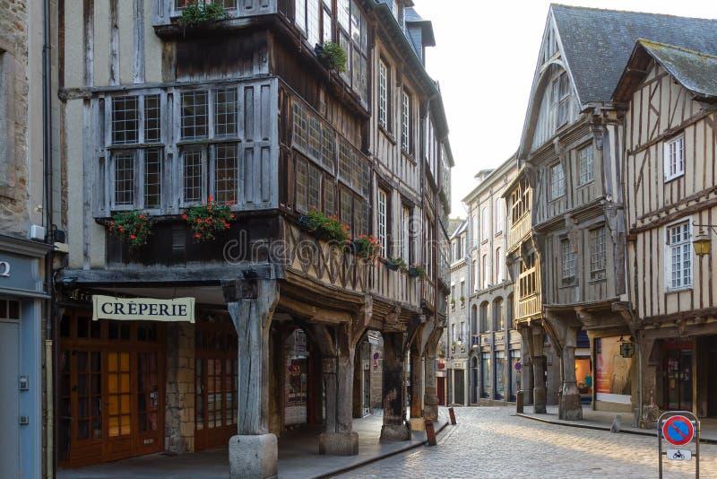 Architettura del legno medievale, Dinan, Bretagna, Francia immagine stock