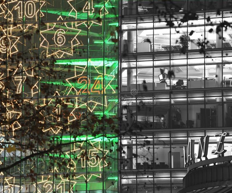 Download Architettura Del Neon Di Natale Immagine Stock - Immagine di corsa, germany: 3884297