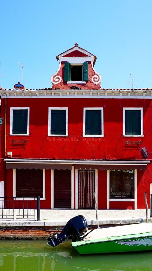 Download Architettura Della Costruzione Di Colore Rosso Di Burano Immagine Stock - Immagine di mattone, mediterraneo: 56885785