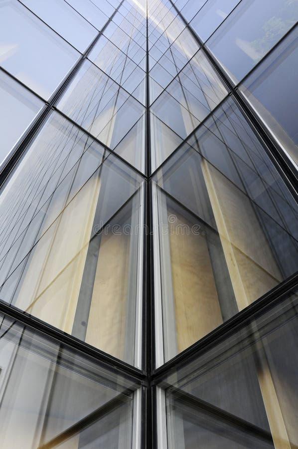 Architettura della geometria dell'edificio per uffici moderno fotografia stock
