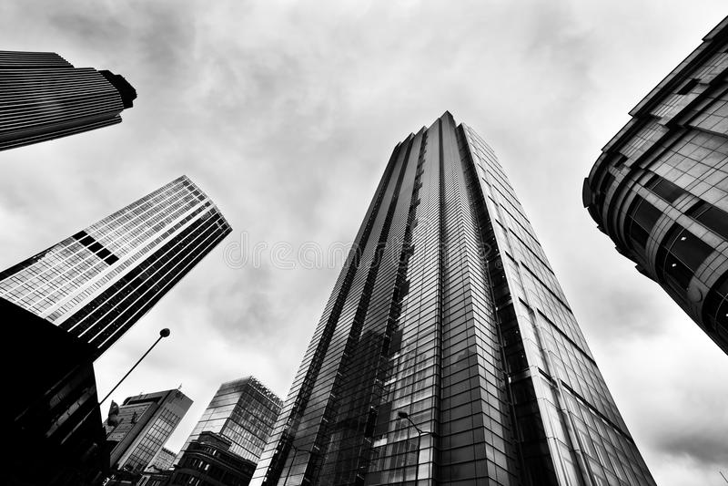 Architettura di affari, grattacieli a Londra, Regno Unito fotografia stock libera da diritti