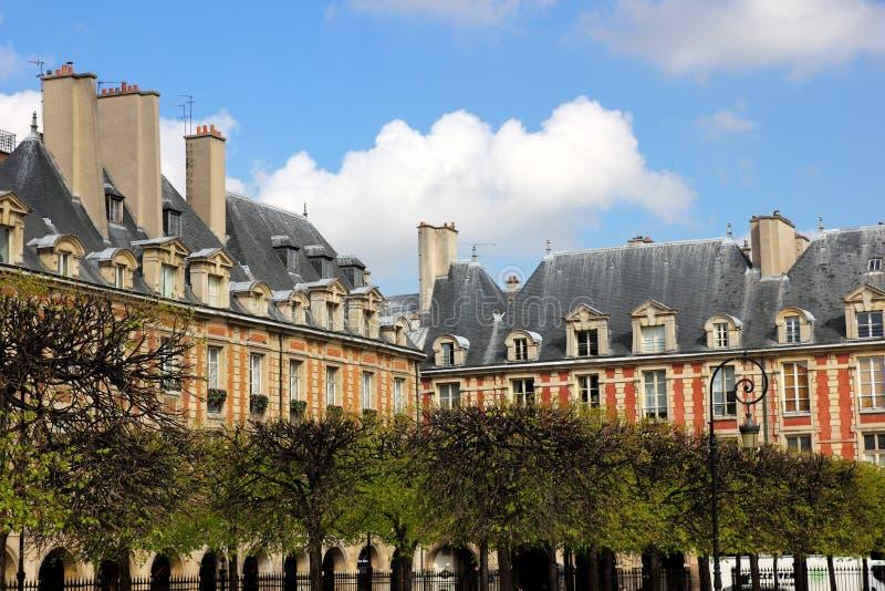 Architettura francese case a parigi immagine stock for Architettura di campagna francese