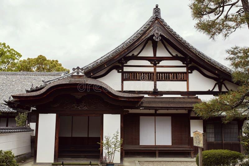 Architettura giapponese tradizionale nel complesso di Byodoin fotografia stock libera da diritti