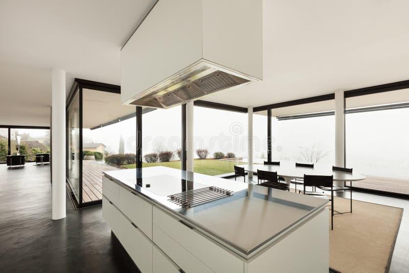 Architettura, interno di una villa moderna fotografia stock libera da diritti