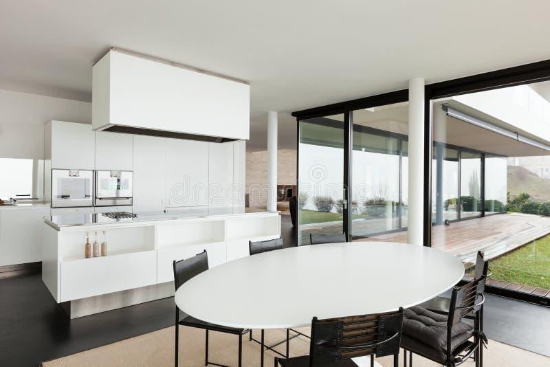Architettura interno di una villa moderna immagine stock for Piani di architettura domestica moderna