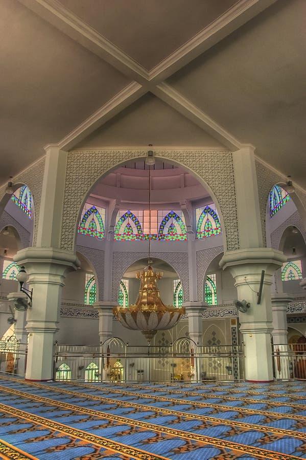 Architettura islamica in decorazione interna alla moschea moderna immagini stock