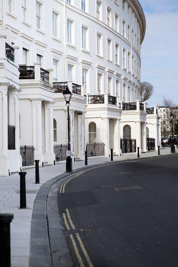 Architettura a mezzaluna della reggenza di Brighton degli appartamenti immagine stock libera da diritti