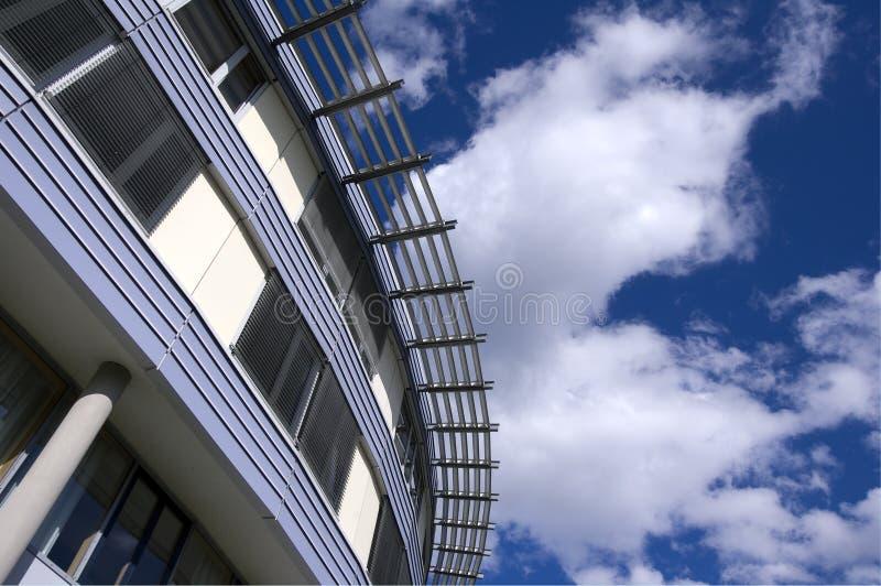 Download Architettura moderna immagine stock. Immagine di urbano - 3145253