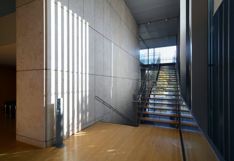 Architettura moderna alla moda vista della scala immagine for Architettura moderna della casa