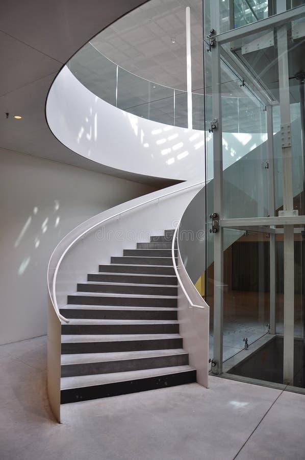 Architettura moderna dettaglio della scala a chiocciola for Scala a chiocciola della cabina