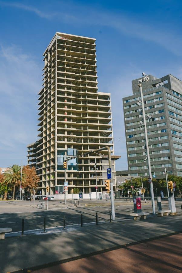 Architettura moderna non finita in distretto quarto diagonale, Barcellona fotografia stock libera da diritti