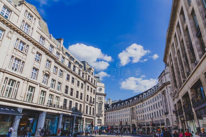 Architettura nel centro urbano di Londra in Regent Street immagini stock