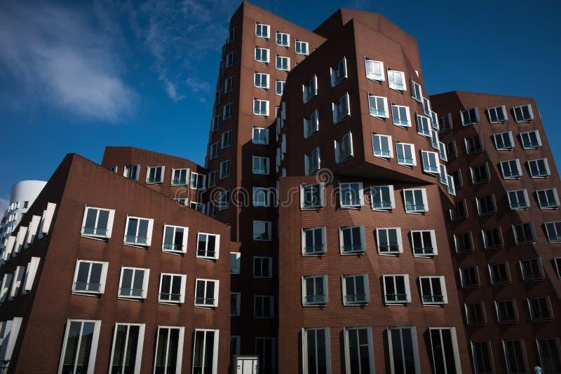 Architettura postmoderna duesseldorf di gehry fotografia for Architektur romantik
