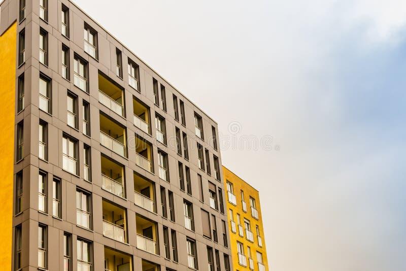 Architettura residenziale moderna fotografia stock libera da diritti