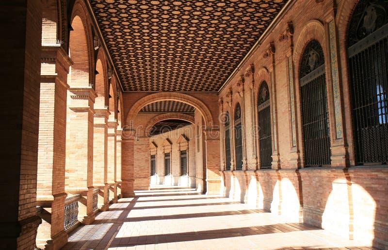 Architettura spagnola a Plaza de Espana, Siviglia fotografia stock libera da diritti