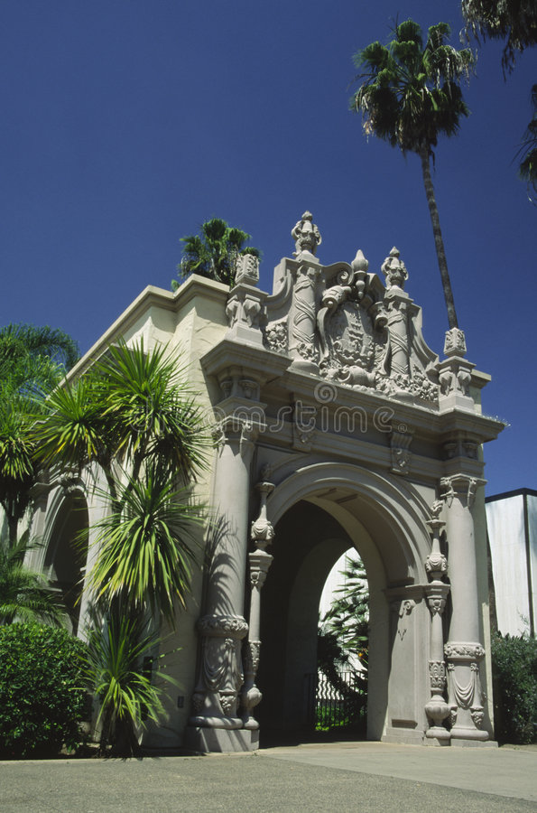 Architettura spagnola a San Diego fotografie stock
