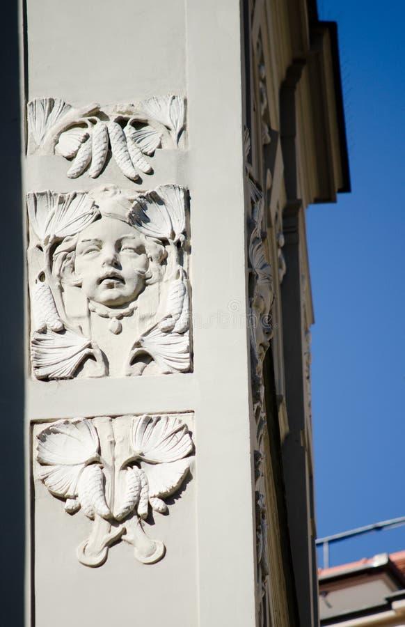 Architettura storica a Praga, dettaglio di sollievo fotografia stock libera da diritti