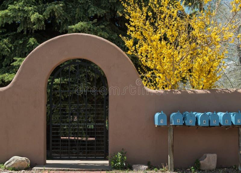 Architettura sudoccidentale, residenze multiple fotografia stock libera da diritti
