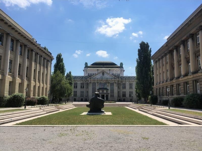 Archives d'état et statue croates d'auteur Marko Marulic image libre de droits