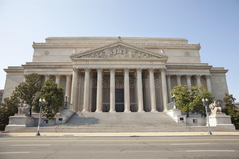 Archives nationales construisant dans l'avant de Washington DC image libre de droits